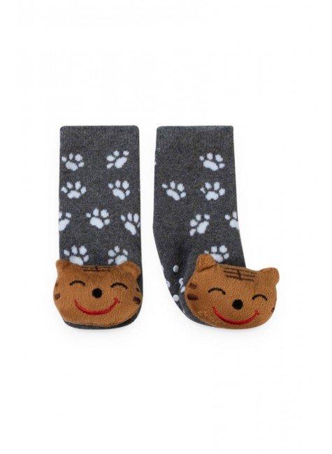 meia cinza gato piradinhos menino patinhas